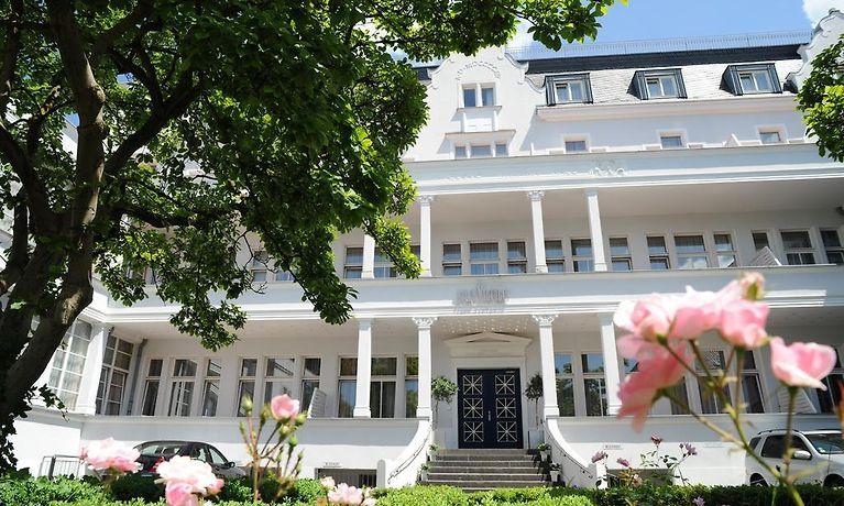 Mini Kühlschrank Düsseldorf : Villa viktoria düsseldorf
